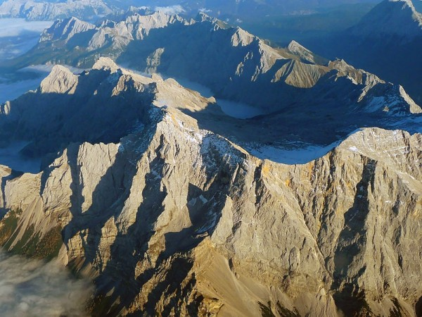 Aerial view over the Zugspitze en.wikipedia.org