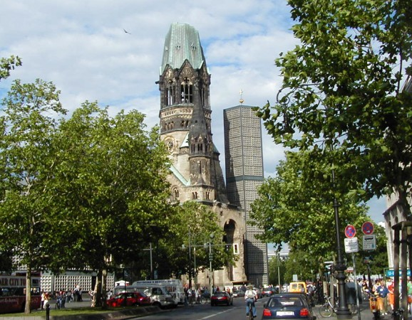 Kaiser Wilhelm Memorial Church roger4336/Flickr