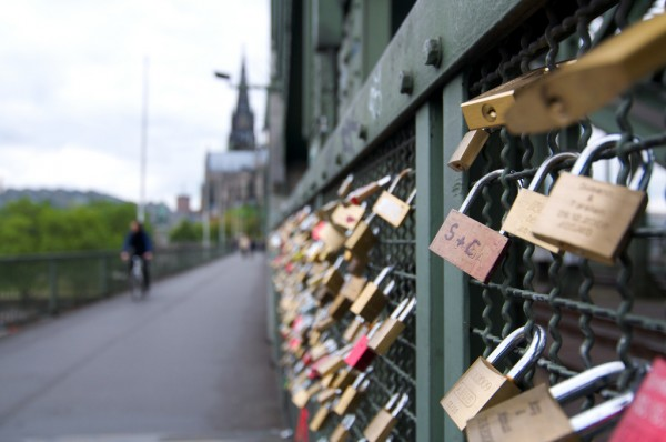 Hohenzollern Bridge love locks BriYYZ/Flickr