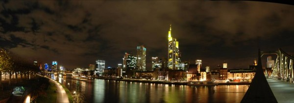 Frankfurt by night alv1nx/Flickr
